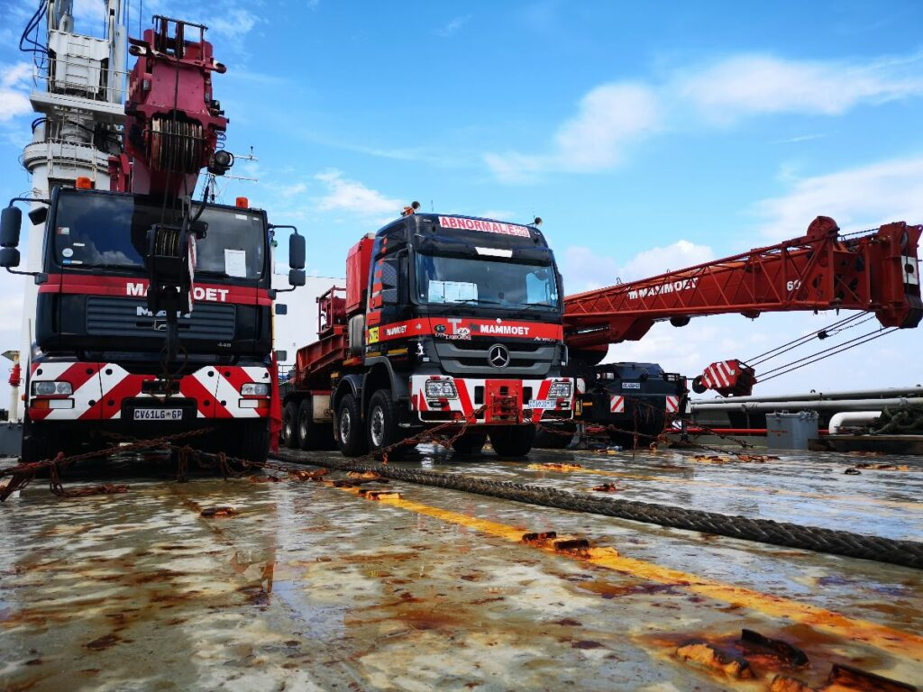 Second Night for Corendon on the Move with Mammoet – Heavy ...