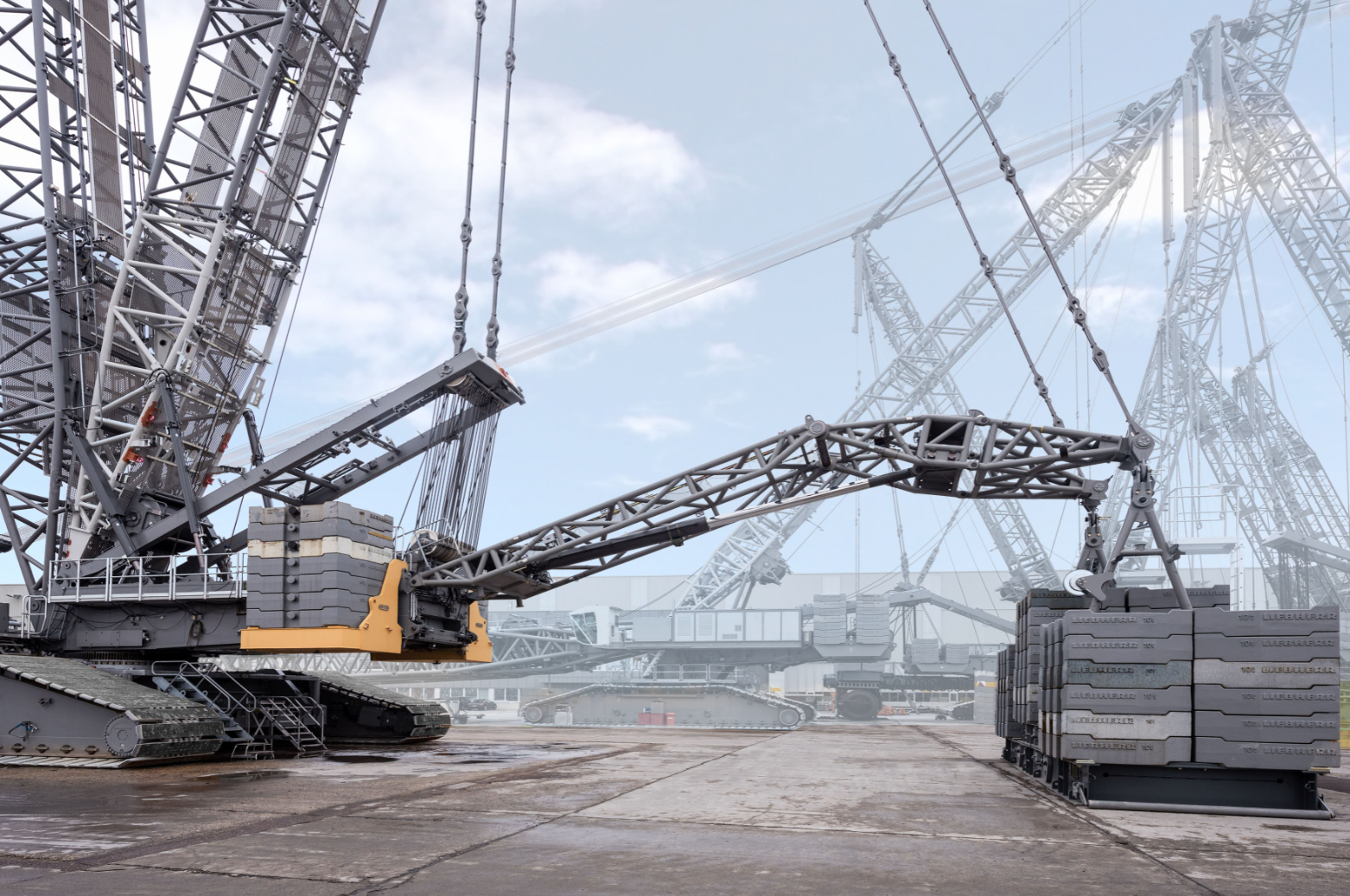 Liebherr's new crawler crane proved with 560-tonne test load – Heavy